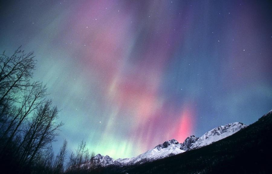 Aurora, fenómeno que se obversa en zonas polares y es producido en la termósfera.